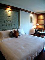 バンコク シーロム・サトーン周辺のホテル : ザ スコータイ バンコク(The Sukhothai Bangkok)のデラックス スタジオルームの設備 Bedroom