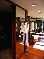 バンコク シーロム・サトーン周辺のホテル : ザ スコータイ バンコク(The Sukhothai Bangkok)のデラックス スタジオルームの設備 Bath room