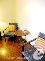 バンコク シーロム・サトーン周辺のホテル : ザ サンライズ レジデンス サラデーン(The Sunrise Residence Saladaeng)のシングルベット スタジオルームの設備 Relax Area