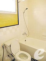 バンコク シーロム・サトーン周辺のホテル : ザ サンライズ レジデンス サラデーン(The Sunrise Residence Saladaeng)のシングルベット スタジオルームの設備 Bathroom