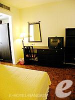 バンコク シーロム・サトーン周辺のホテル : ザ サンライズ レジデンス サラデーン(The Sunrise Residence Saladaeng)のダブルベット スタジオルームの設備 Room View