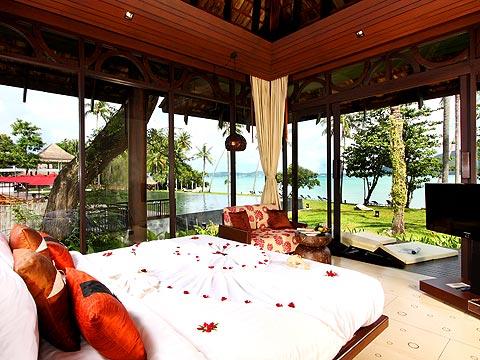 プーケット その他・離島のホテル : ザ ヴィジット リゾート プーケット(1)のお部屋「デラックス ビーチフロント ヴィラ」
