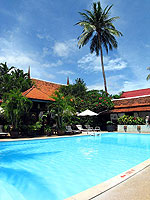 Swimming Pool : The White House Beach Resort & Spa, Choeng Mon Beach, Phuket