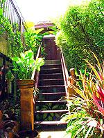 サムイ島 チョンモーンビーチのホテル : ザ ホワイト ハウス ビーチリゾート アンド スパ(The White House Beach Resort & Spa)の チョンドゥアン/チョンダオ スイートルームの設備 Stairs
