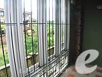 プーケット 5,000円以下のホテル : トニー ロッジ(Tony Lodge)のスタンダード ルームルームの設備 View from Window Twin Bed