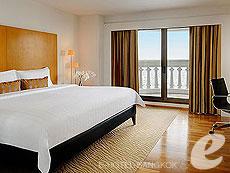 バンコク カップル&ハネムーンのホテル : タワー クラブ アット ルブア(Tower Club at lebua)のお部屋「シグネチャースイート2ベッドルーム」