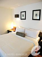 バンコク シーロム・サトーン周辺のホテル : トリプル トゥー シーロム(Triple Two Silom)のデラックス(シングル)ルームの設備 Room View