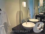 プーケット 20,000円以上のホテル : ツインパームス プーケット(Twinpalms Phuket)のデラックス ラグーン プールルームの設備 Bathroom