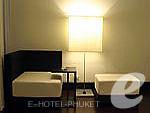 プーケット 20,000円以上のホテル : ツインパームス プーケット(Twinpalms Phuket)のグランド デラックス パームルームの設備 Living area