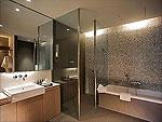 Bath Room : Jacuzzi Pavilion at Veranda Chiangmai - The High Resort, Couple & Honeymoon, Chiangmai
