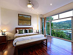 プーケット ファミリー&グループのホテル : ヴィラ アマンジ(Villa Amanzi)の3ベッドルームルームの設備 Second Room