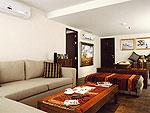 プーケット ファミリー&グループのホテル : ヴィラ アマンジ(Villa Amanzi)の3ベッドルームルームの設備 Living Room