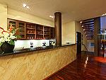 プーケット ファミリー&グループのホテル : ヴィラ アマンジ(Villa Amanzi)の3ベッドルームルームの設備 Bar
