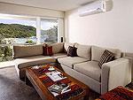 プーケット ファミリー&グループのホテル : ヴィラ アマンジ(Villa Amanzi)の4ベッドルームルームの設備 Living Room