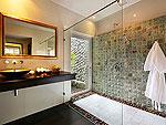 プーケット ファミリー&グループのホテル : ヴィラ アマンジ(Villa Amanzi)の6ベッドルームルームの設備  Fifeth Room