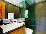 プーケット ファミリー&グループのホテル : ヴィラ ビヨンド(Villa Beyond)の7ベッドルームルームの設備 Bathroom