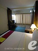 バンコク 王宮・カオサン周辺のホテル : ヴィラ チャチャ(Villa Cha Cha)のジュニア クイーンルームの設備 Bedroom