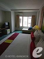 バンコク 王宮・カオサン周辺のホテル : ヴィラ チャチャ(Villa Cha Cha)のロイヤル クイーンルームの設備 Room View