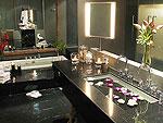 プーケット ファミリー&グループのホテル : ヴィラ チャン グラジャング(Villa Chan Grajang)の5ベッドルームルームの設備 Bathroom