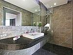 プーケット バンタオビーチのホテル : ヴィラ ナマステ(Villa Namaste)の4ベッドルームです。ルームの設備 Bathroom