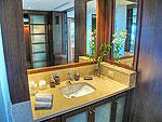 プーケット スリンビーチのホテル : ヴィラ ラク タワン(Villa Rak Tawan)の3ベッドルームルームの設備 Bathroom