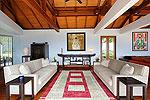 プーケット スリンビーチのホテル : ヴィラ ラク タワン(Villa Rak Tawan)の3ベッドルームルームの設備 Living Room