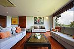 プーケット スリンビーチのホテル : ヴィラ ラク タワン(Villa Rak Tawan)の5ベッドルームルームの設備 Living Room
