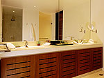 プーケット バンタオビーチのホテル : ヴィラ サマキー(Villa Samakee)の1ベッドルームルームの設備 Bathroom
