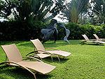 プーケット ファミリー&グループのホテル : ヴィラ サマキー(Villa Samakee)の1ベッドルームルームの設備 Garden
