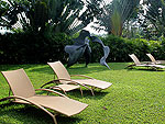 プーケット ファミリー&グループのホテル : ヴィラ サマキー(Villa Samakee)の2ベッドルームルームの設備 Garden