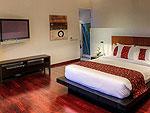 プーケット ファミリー&グループのホテル : ヴィラ サマキー(Villa Samakee)の4ベッドルームルームの設備 Master Bedroom