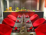 プーケット ファミリー&グループのホテル : ヴィラ イン(Villa Yin)の1ベッドルームルームの設備 Dining Area