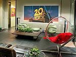 プーケット ファミリー&グループのホテル : ヴィラ イン(Villa Yin)の2ベッドルームルームの設備 Living Area