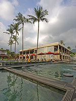 Beachfront Pool : Weekender Resort, Lamai Beach, Phuket