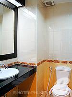 プーケット 5,000円以下のホテル : ココテル プーケット パトン(Kokotel Phuket Patong)のロイヤル スイートルームの設備 Bath Room
