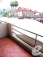 プーケット 5,000円以下のホテル : ココテル プーケット パトン(Kokotel Phuket Patong)のロイヤル スイート(ルームオンリー)ルームの設備 Balcony