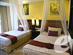 プーケット ファミリー&グループのホテル : ワラブリ プーケットリゾート&スパ(Woraburi Phuket Resort & Spa)のスーペリア プールビュールームの設備 Writing Desk