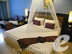 プーケット ファミリー&グループのホテル : ワラブリ プーケットリゾート&スパ(Woraburi Phuket Resort & Spa)のデラックスルームの設備 Bedroom