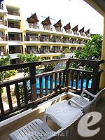 プーケット ファミリー&グループのホテル : ワラブリ プーケットリゾート&スパ(Woraburi Phuket Resort & Spa)のデラックスルームの設備 Balcony
