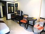 プーケット ファミリー&グループのホテル : ワラブリ プーケットリゾート&スパ(Woraburi Phuket Resort & Spa)のカバナ プールアクセスルームの設備 Writing Desk