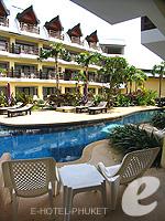 プーケット ファミリー&グループのホテル : ワラブリ プーケットリゾート&スパ(Woraburi Phuket Resort & Spa)のカバナ プールアクセスルームの設備 Balcony