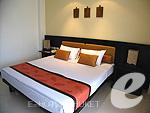 プーケット ファミリー&グループのホテル : ワラブリ プーケットリゾート&スパ(Woraburi Phuket Resort & Spa)のジュニア スイートルームの設備 Bedroom