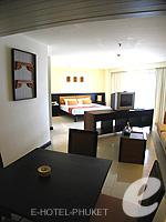 プーケット ファミリー&グループのホテル : ワラブリ プーケットリゾート&スパ(Woraburi Phuket Resort & Spa)のジュニア スイートルームの設備 Room View