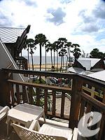 プーケット ファミリー&グループのホテル : ワラブリ プーケットリゾート&スパ(Woraburi Phuket Resort & Spa)のジュニア スイートルームの設備 Balcony