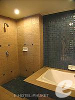 プーケット カロンビーチのホテル : ワラブリ プーケットリゾート&スパ(Woraburi Phuket Resort & Spa)のジュニア スイートルームの設備 Bathroom